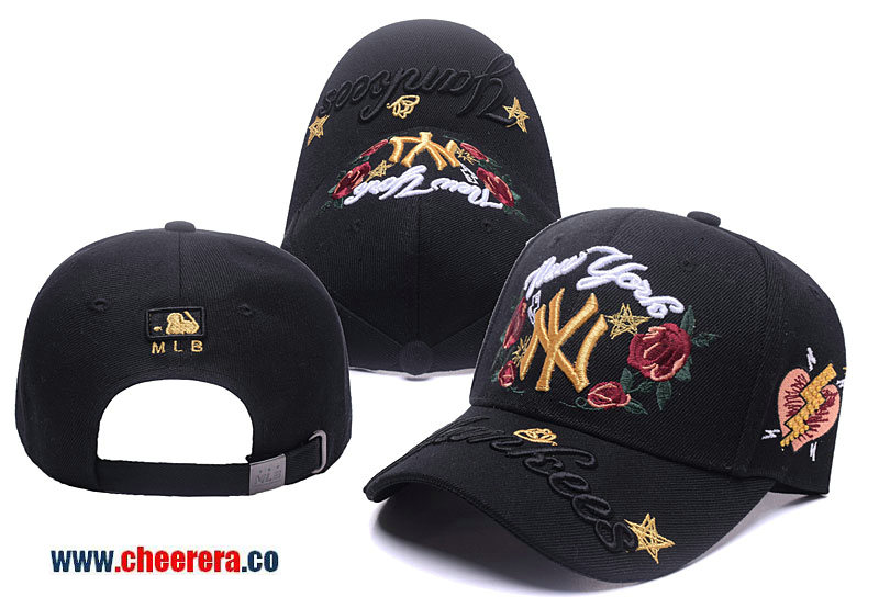 MLB New York Yankees Adjustable Snapback Hat in Black with Flower Stitches