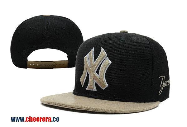 MLB New York Yankees Adjustable Snapback Hat in Black with Gold Logo