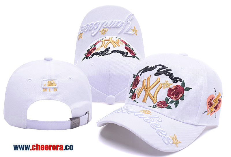 MLB New York Yankees Adjustable Snapback Hat in White with Flower Stitches